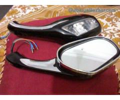 bike's back mirrors with lighted indicators