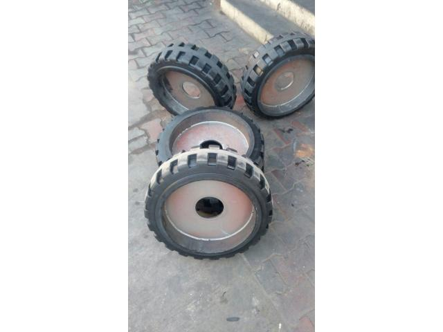 Solid Paver Tyre, Apollo Paver tyre