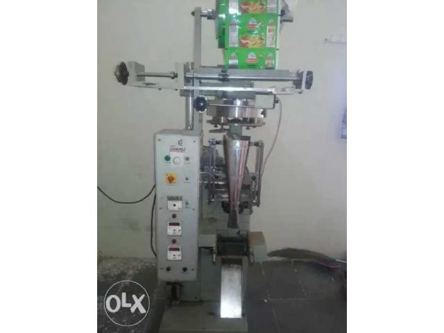 Automatic ffs weighing pouch packaging packing machine for masala spices